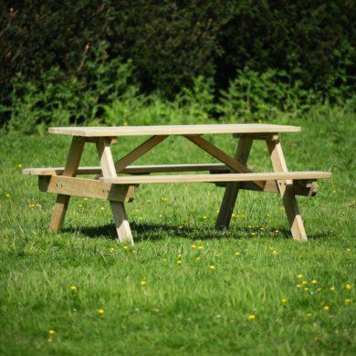 commercial wooden pub picnic table