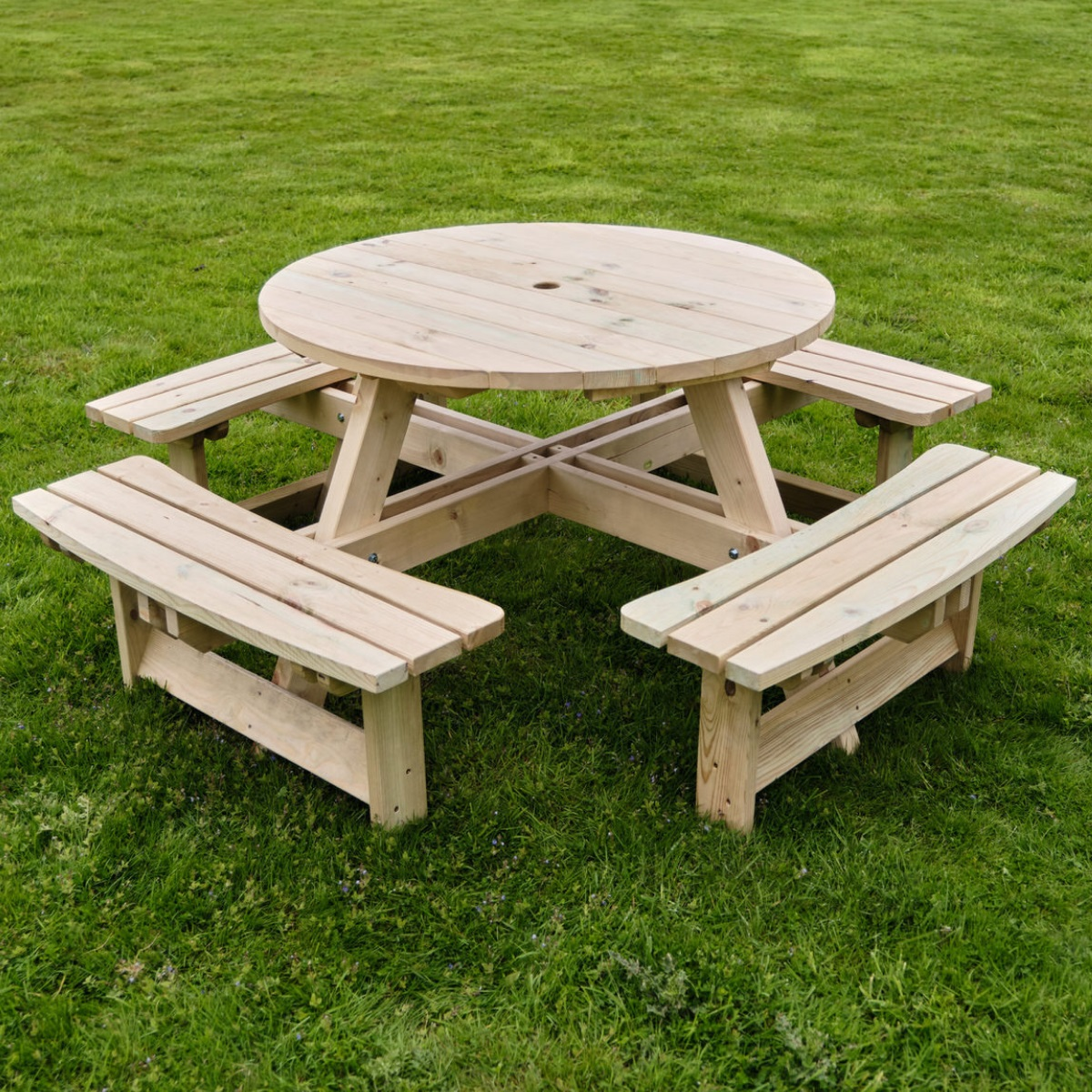 commercial round wooden picnic table 8 seater